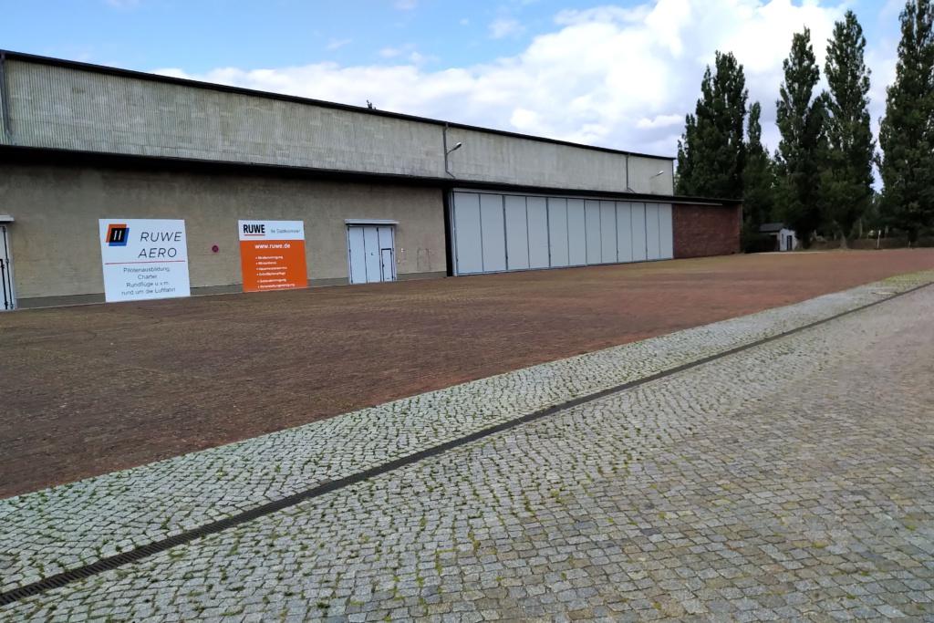 Hallenstellplatz Wohnmobil Caravan Einfahrtshöhe 6 Meter Strausberg