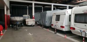 Hallenstellplätze/Unterstellplätze Reisemobil und Wohnwagen im Caravan-Park-Hunsrück (Innenansicht)